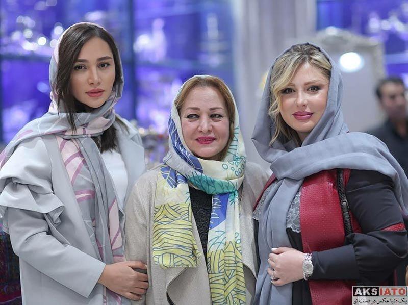 بازیگران بازیگران زن ایرانی  عکس های جدید نیوشا ضیغمی بهمراه خواهرش روشا (2 عکس)