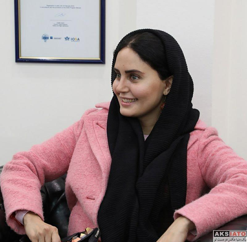 بازیگران بازیگران زن ایرانی  الناز شاکردوست در دفتر هواپیمایی ماهان ایر (5 عکس)