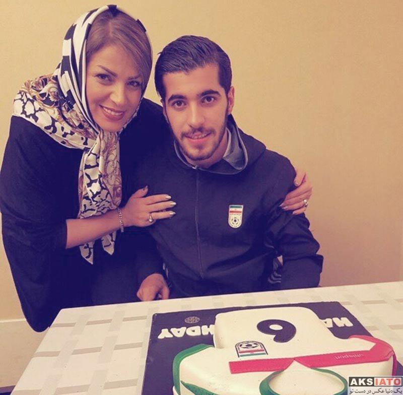 ورزشکاران ورزشکاران مرد  سعید عزت اللهی در کنار مادرش در اردوی تیم ملی