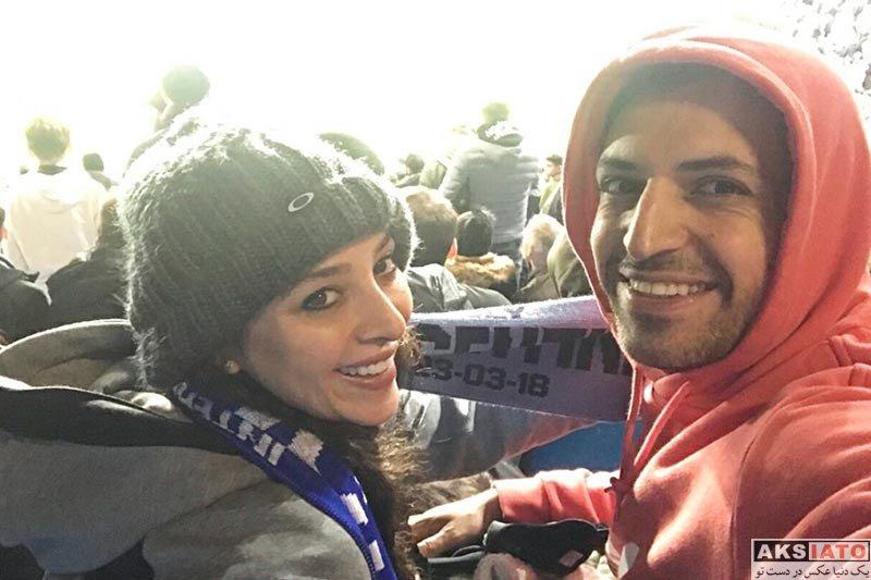 بازیگران بازیگران زن ایرانی خانوادگی  آناهیتا درگاهی و اشکان خطیبی در ورزشگاه اتحاد انگلیس (3 عکس)
