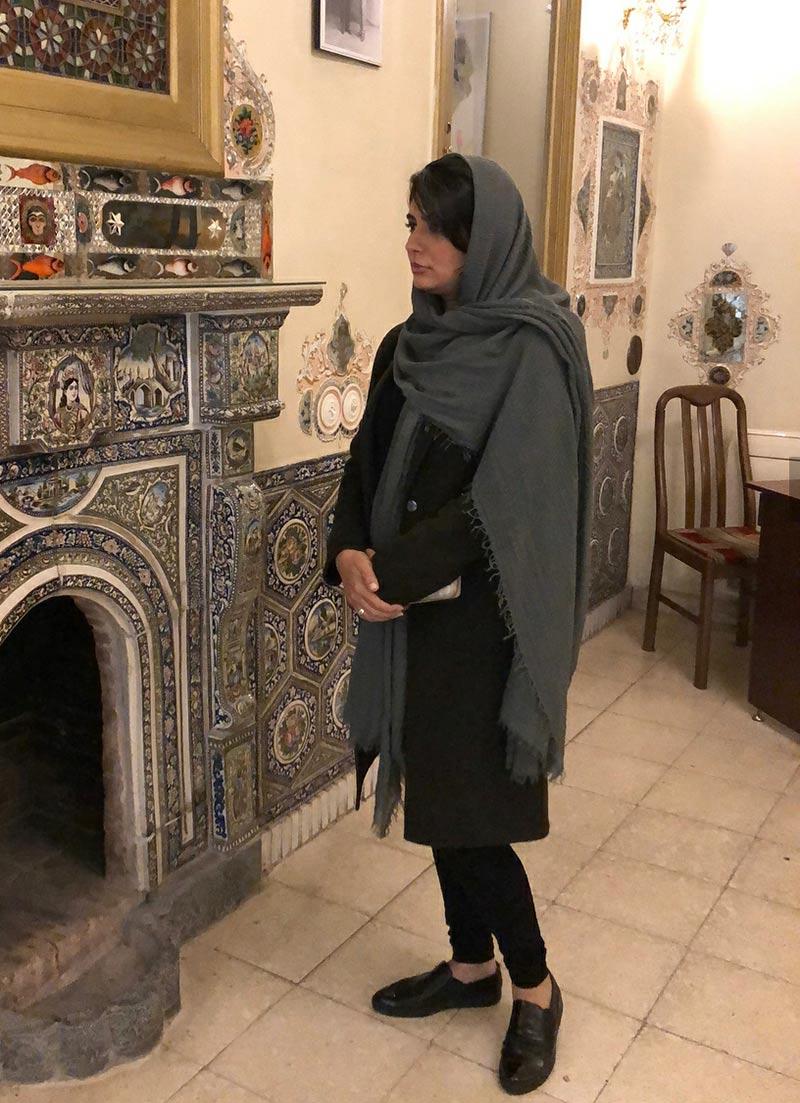 بازیگران بازیگران زن ایرانی  موزه گردی لیندا کیانی به همراه دوستش (4 عکس)
