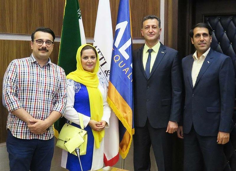 بازیگران بازیگران زن ایرانی  کمند امیرسلیمانی در جلسه معارفه حامیان برند آلتون (4 عکس)