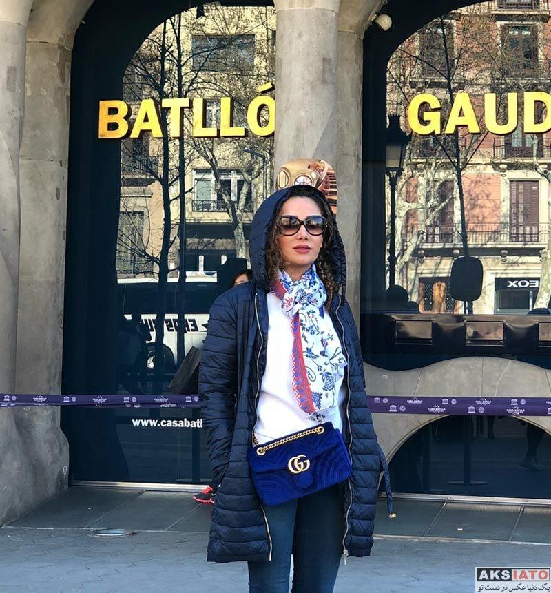 بازیگران بازیگران زن ایرانی  بهاره افشاری در شهر بارسلونا و ورزشگاه نیوکمپ (6 عکس)