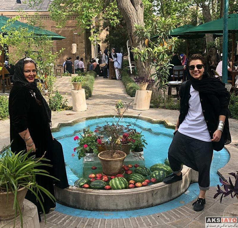 بازیگران بازیگران زن ایرانی  بهاره رهنما و دخترش در باغ موزه نگارستان (4 عکس)