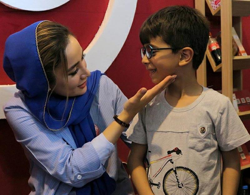 بازیگران بازیگران زن ایرانی  بهاره افشاری در سی و یکمین دوره نمایشگاه کتاب تهران (6 عکس)