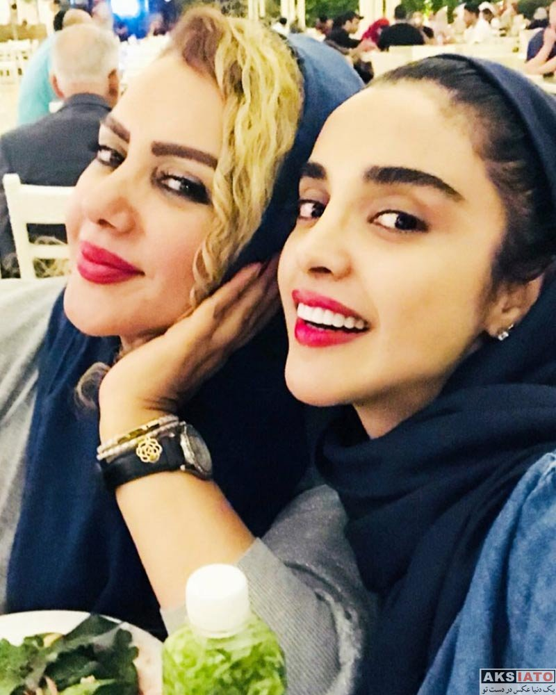 بازیگران بازیگران زن ایرانی  دو عکس جدید از الهه حصاری و مادرش در کیش