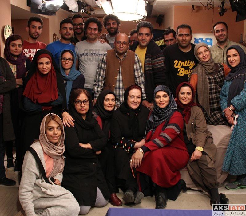 بازیگران بازیگران زن ایرانی  الهام پاوه نژاد پشت صحنه سریال هیات مدیره (5 عکس)