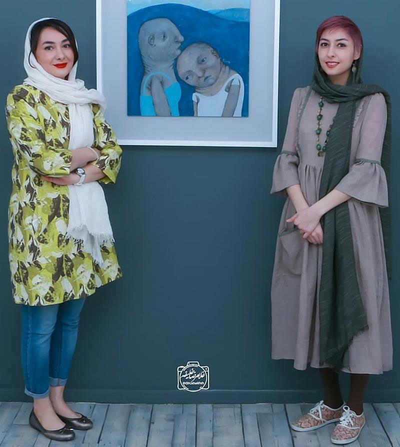 بازیگران بازیگران زن ایرانی  هانیه توسلی در نمایشگاه نقاشی خواهرش (3 عکس)