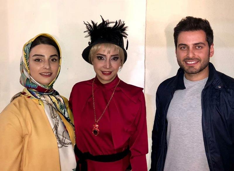 بازیگران بازیگران زن ایرانی  لاله مرزبان در اجرای نمایش دپوتات (۳ عکس)