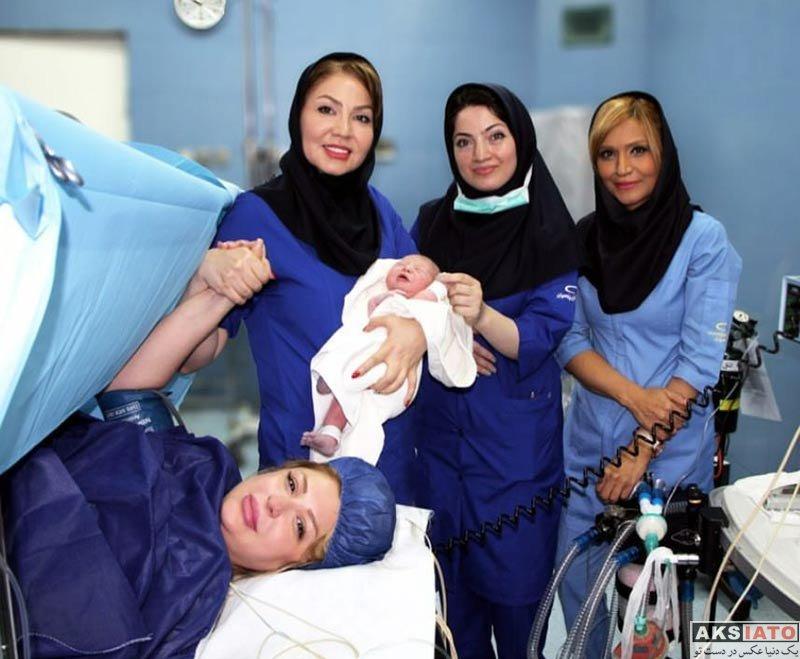 بازیگران بازیگران زن ایرانی  عکس جدید نیوشا ضیغمی در اتاق زایمان در کنار فرزندش
