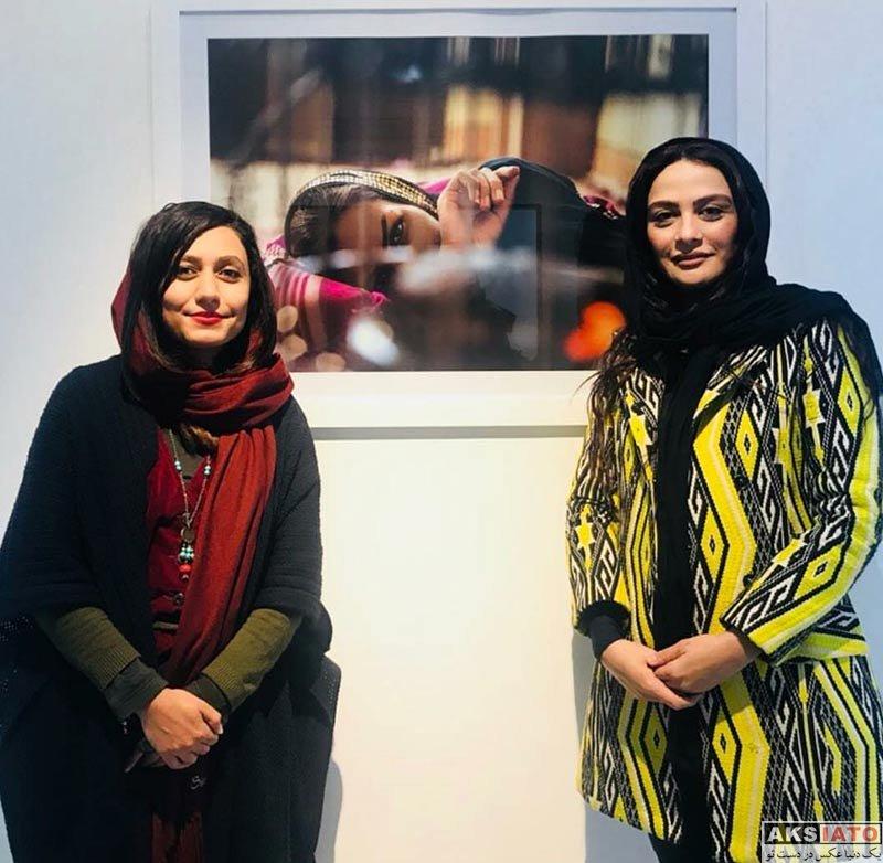 بازیگران بازیگران زن ایرانی  مارال فرجاد در اجرای نمایش دپوتات (۳ عکس)