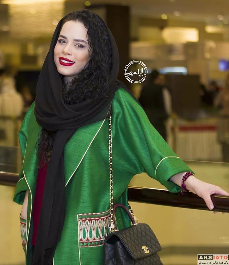 بازیگران بازیگران زن ایرانی  ملیکا شریفی نیا در مهمانی خصوصی فیلم چهارراه استانبول (3 عکس)