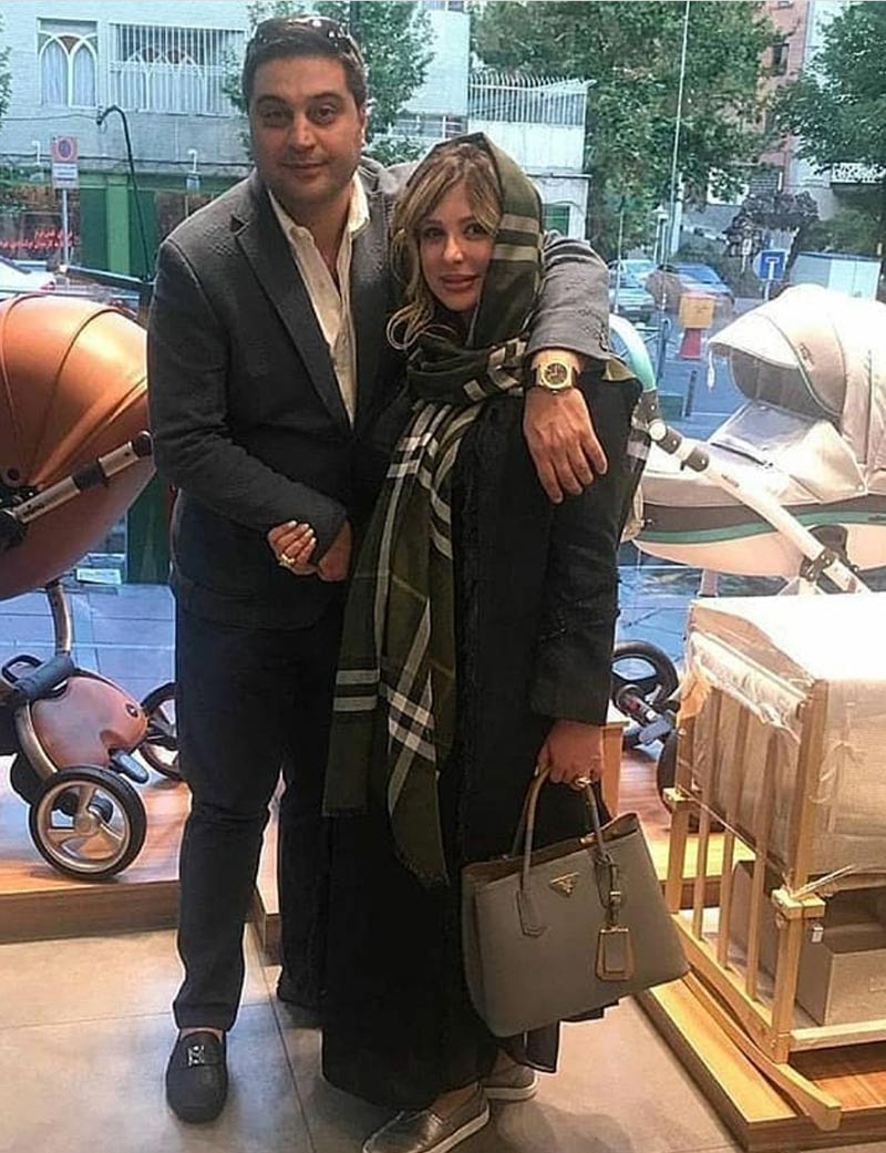 بازیگران بازیگران زن ایرانی  نیوشا ضیغمی باردار در مغازه سیسمونی (2 عکس)