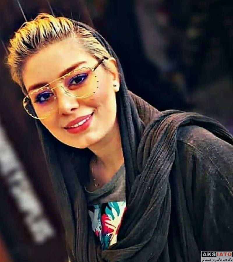 بازیگران بازیگران زن ایرانی  سحر قریشی با مدل موی جدید در رستوران (2 عکس)
