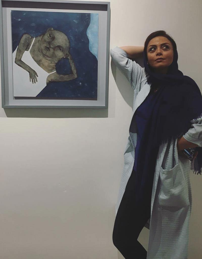 بازیگران بازیگران زن ایرانی  شبنم فرشادجو در نمایشگاه نقاشی خواهر هانیه توسلی (2 عکس)