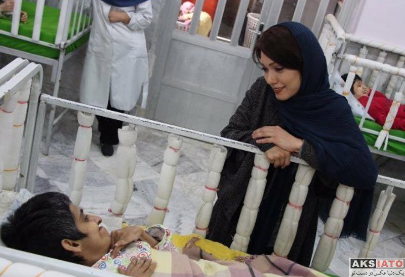 بازیگران بازیگران زن ایرانی  شهرزاد کمال زاده در خیریه همدم مشهد (۴ عکس)