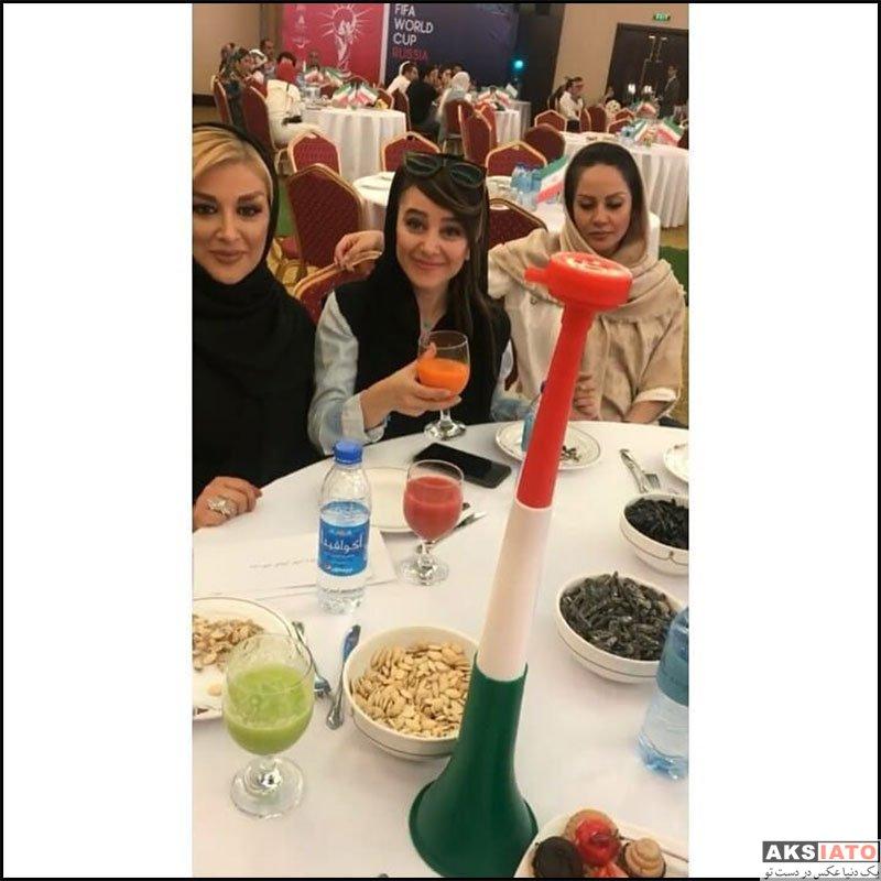 بازیگران بازیگران زن ایرانی  الناز حبیبی در حال تماشای بازی ایران و مراکش (3 عکس)
