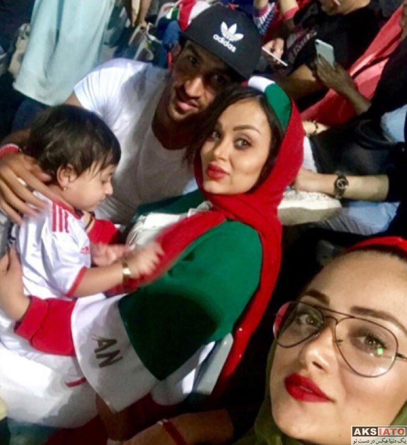 ورزشکاران ورزشکاران مرد  عکس حسین ماهینی و همسرش در ورزشگاه آزادی