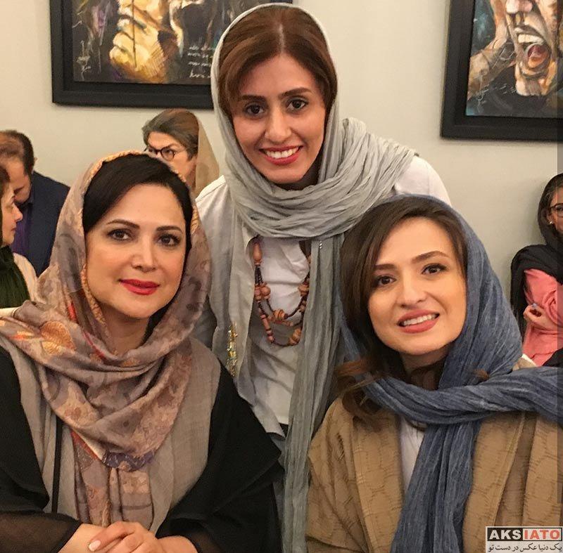 بازیگران بازیگران زن ایرانی  کمند امیرسلیمانی در اجرای نمایش کافه پولشری (3 عکس)