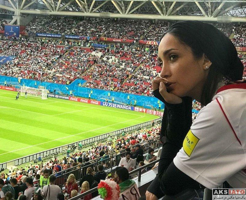 بازیگران بازیگران زن ایرانی  خاطره اسدی در ورزشگاه بازی ایران و اسپانیا (2 عکس)
