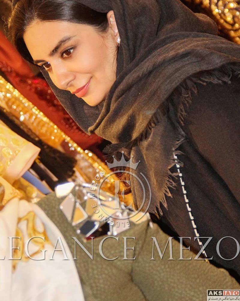 بازیگران بازیگران زن ایرانی  لیندا کیانی در ایونت مزون الگانس (3 عکس)