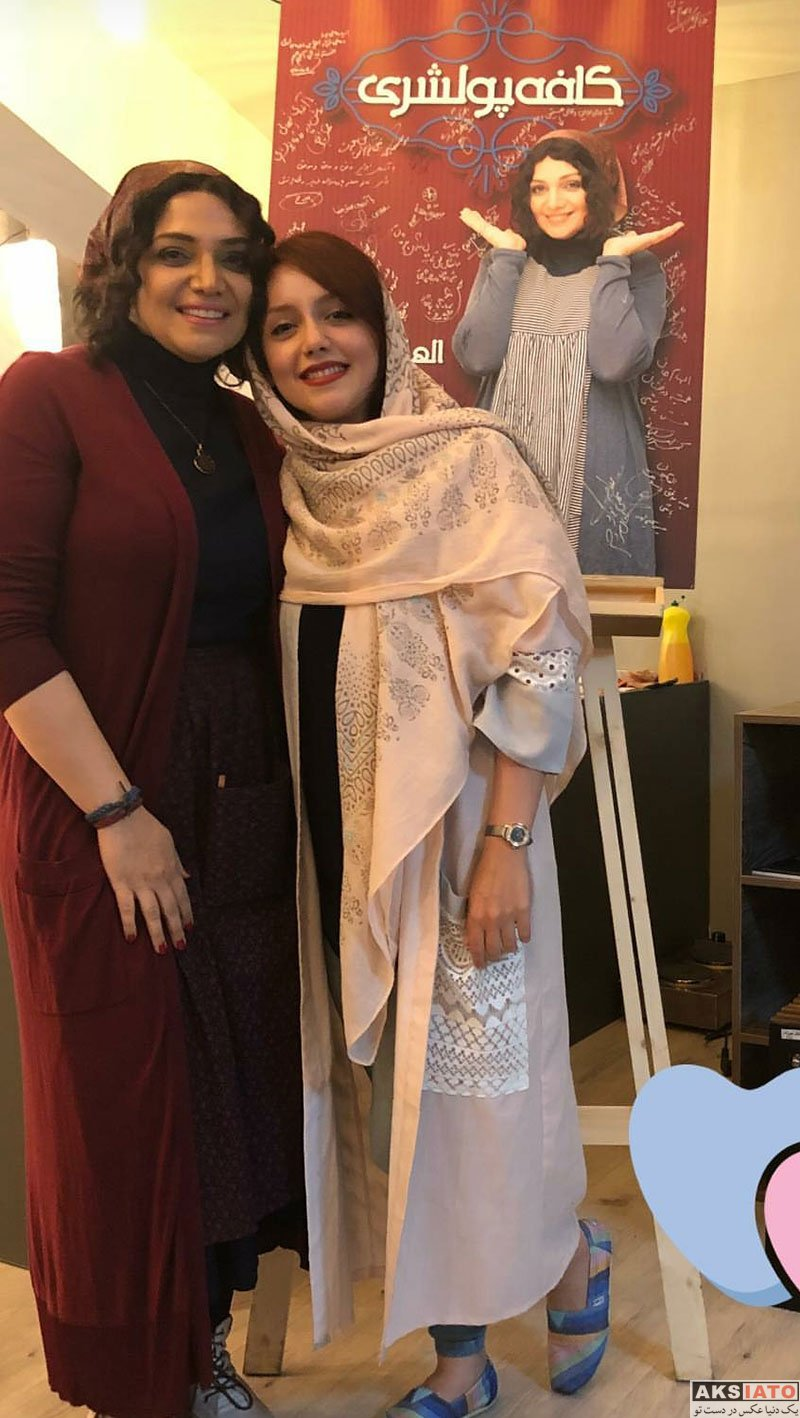 بازیگران بازیگران زن ایرانی  نازنین بیاتی در اجرای نمایش کافه پولشری (۳ عکس)