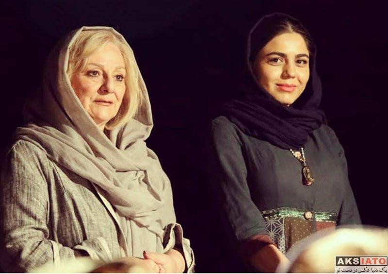 بازیگران بازیگران زن ایرانی  آزاده زارعی در اجرای نمایش شلیک به تئاتر شهر (4 عکس)