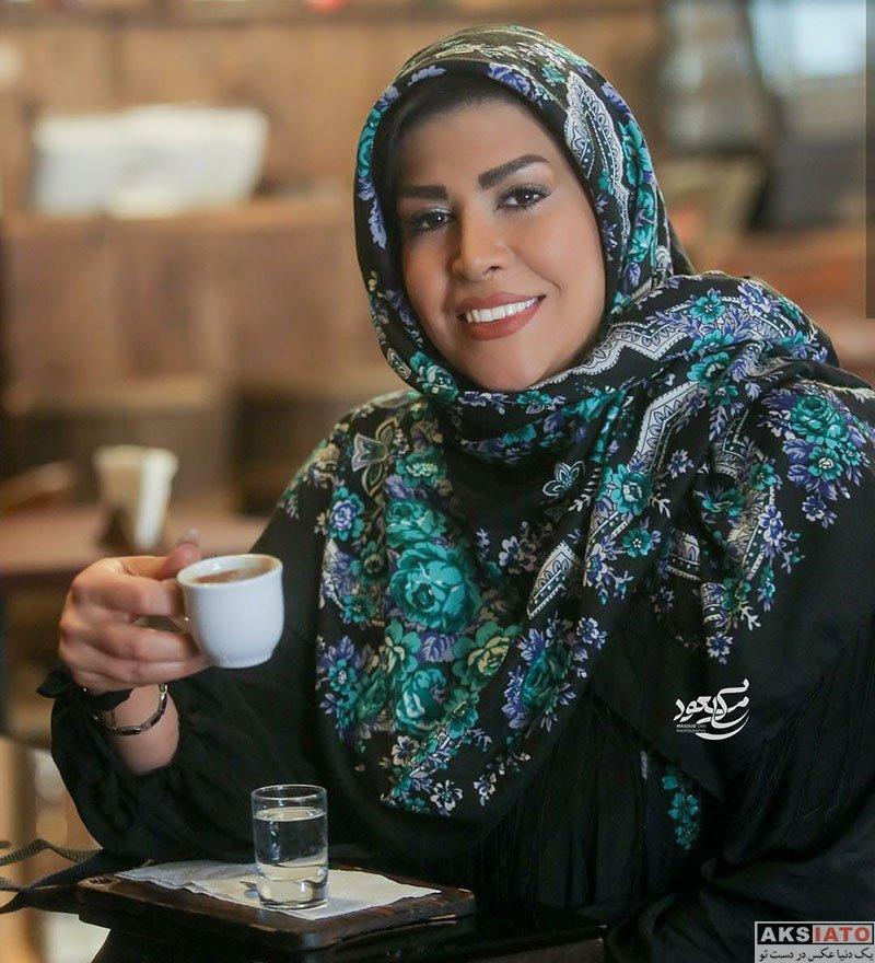 بازیگران مجریان  الهام صفوی زاده بعد از کنار گذاشتن چادر (4 عکس)