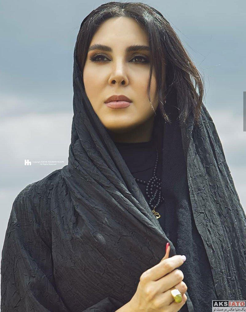 بازیگران بازیگران زن ایرانی  فتوشات های تیره لیلا بلوکات در بام تهران (3 عکس)