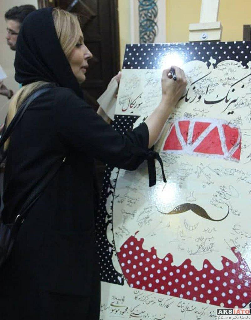 بازیگران بازیگران زن ایرانی  پرستو صالحی در اجرای نمایش نیرنگ و اورنگ (3 عکس)