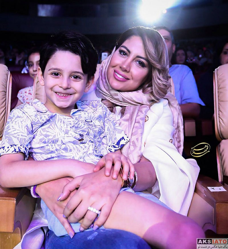 خوانندگان  همسر و فرزند بابک جهانبخش در کنسرتش در تیرماه 97 (4 عکس)