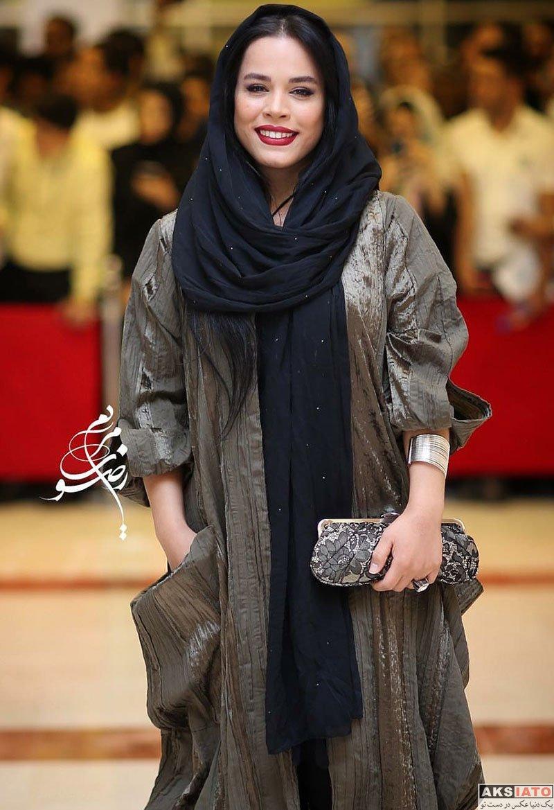 بازیگران بازیگران زن ایرانی جشن حافظ  ملیکا شریفی نیا در هجدهمین جشن حافظ ۹۷ (3 عکس)