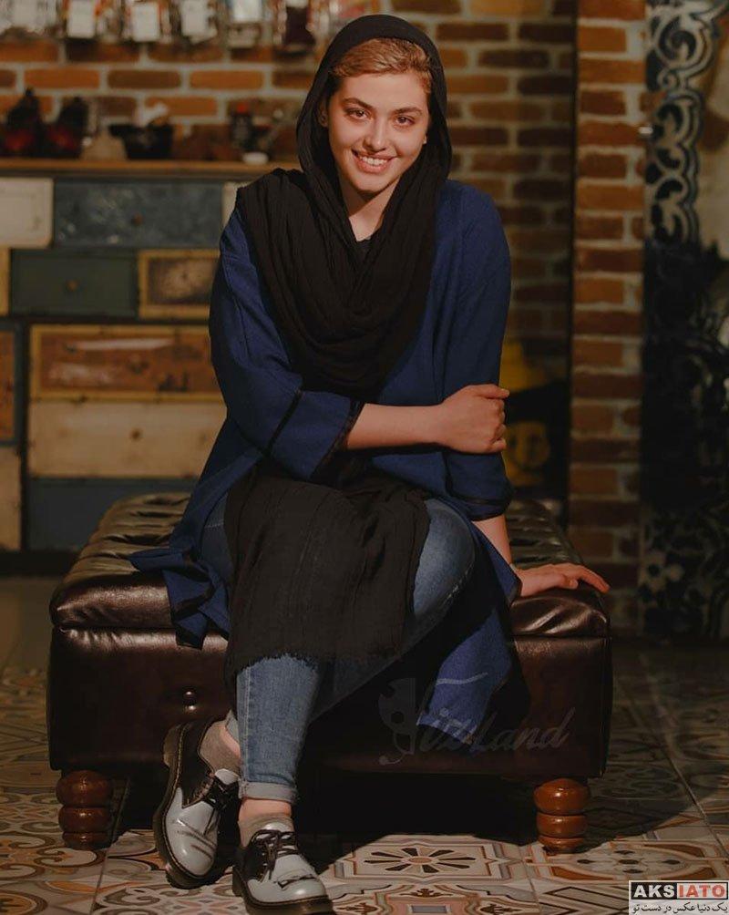 بازیگران بازیگران زن ایرانی  ریحانه پارسا در فروشگاه کفش ویزلند (4 عکس)