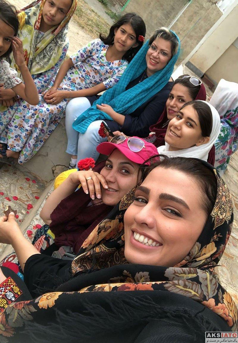 بازیگران بازیگران زن ایرانی  سیما خضرآبادی در پشت صحنه سریال بازی نقاب ها (4 عکس)