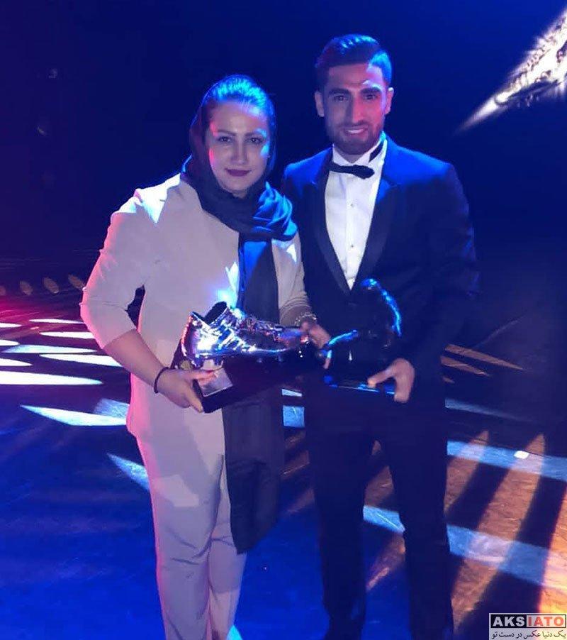 ورزشکاران ورزشکاران مرد  علیرضا جهانبخش و خانواده اش در مراسم بهترین های هلند (4 عکس)