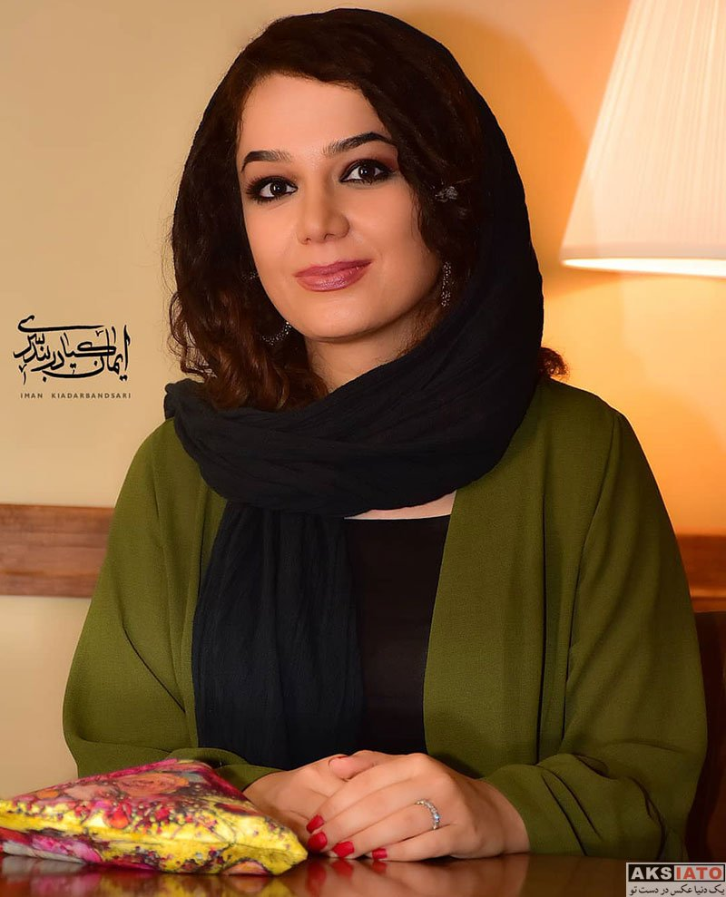 خوانندگان شاعر و ترانه سرا  مونا برزویی در اکران مردمی فیلم شعله ور (۶ عکس)