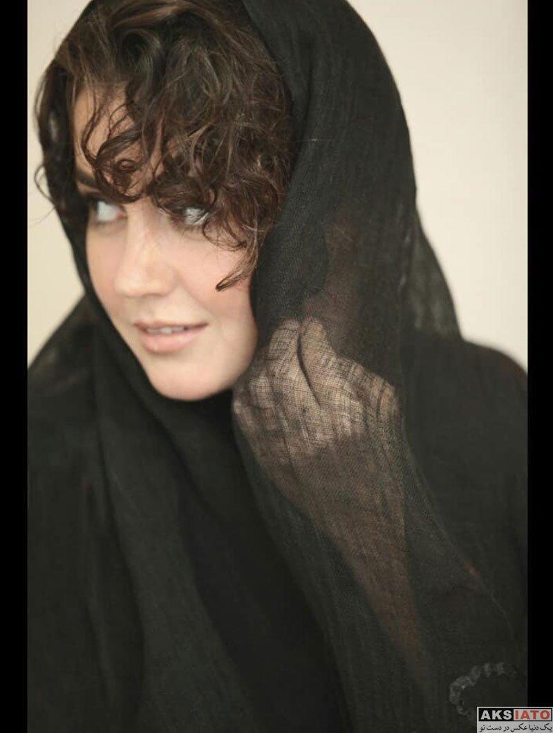 بازیگران بازیگران زن ایرانی  فتوشات های جدید افسانه پاکرو با تیپ مشکی (4 عکس)