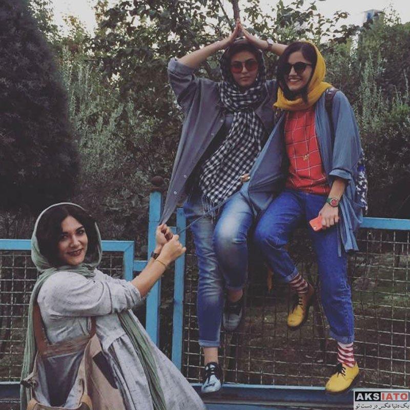 بازیگران بازیگران زن ایرانی  گردش و تفریح ریحانه پارسا و دوستانش (3 عکس)