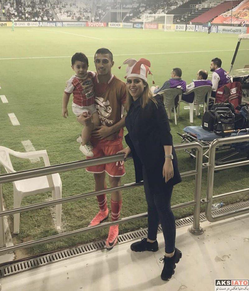 ورزشکاران ورزشکاران مرد  همسر علی علیپور در ورزشگاه بازی السد (2 عکس)