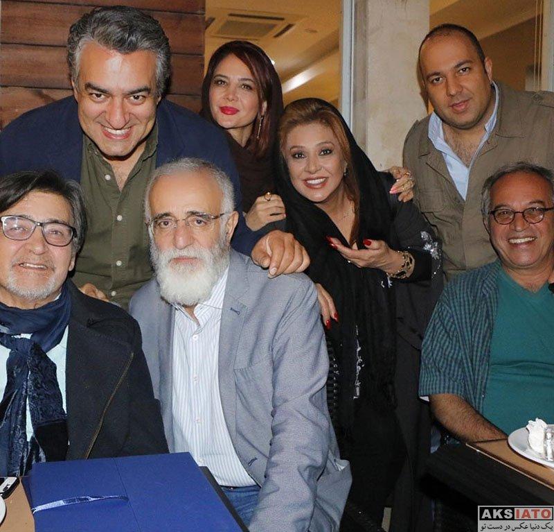 بازیگران بازیگران مرد ایرانی  مراسم بزرگداشت رضا رویگری در کنار همسر و دوستانش (3 عکس)