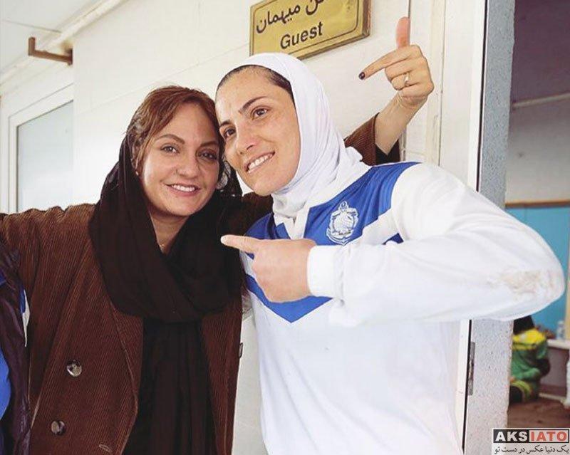 بازیگران بازیگران زن ایرانی  مهناز افشار در کنار بازیکنان تیم بانوان ملوان (4 عکس)