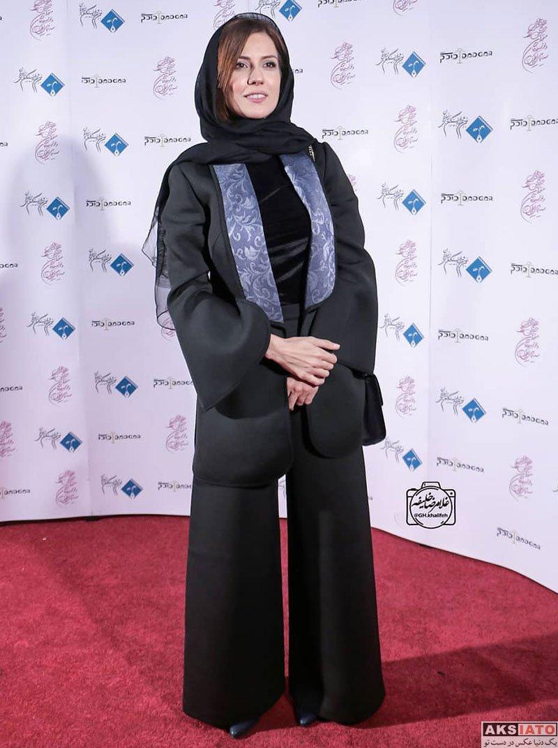 بازیگران بازیگران زن ایرانی جشن منتقدان و نویسندگان  سارا بهرامی در دوازدهمین جشن منتقدان و نویسندگان سینما (۴ عکس)