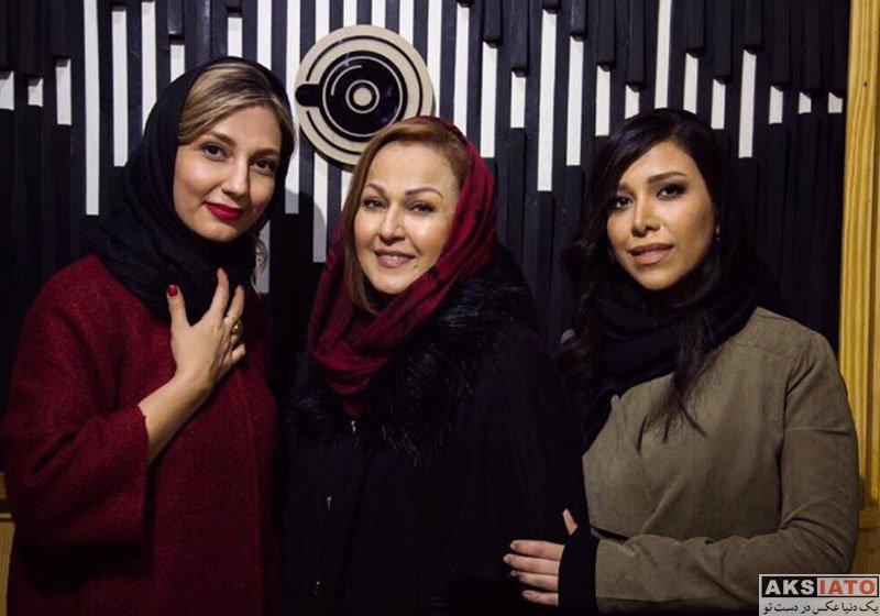 بازیگران بازیگران زن ایرانی  حدیث میرامینی در افتتاحیه گالری و موزیکافه خرابات (2 عکس)
