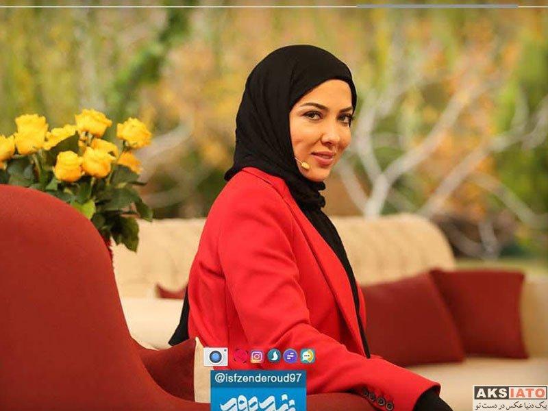 بازیگران بازیگران زن ایرانی  لیلا اوتادی در برنامه زنده رود شبکه اصفهان (2 عکس)