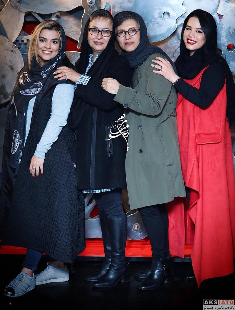 بازیگران بازیگران زن ایرانی  دنیا مدنی در نمایشگاه نقاشی محمد هراتی (۲ عکس)