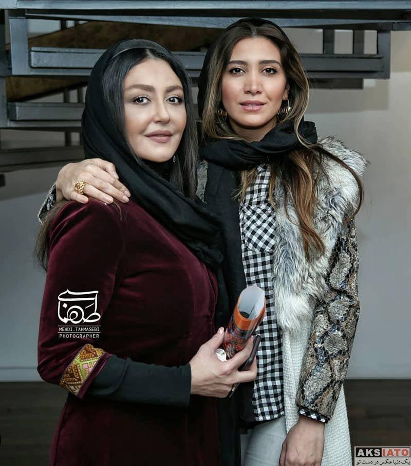 بازیگران بازیگران زن ایرانی  نیکی مظفری در افتتاحیه نمایشگاه نقاشی آذرخش فراهانی (۴ عکس)