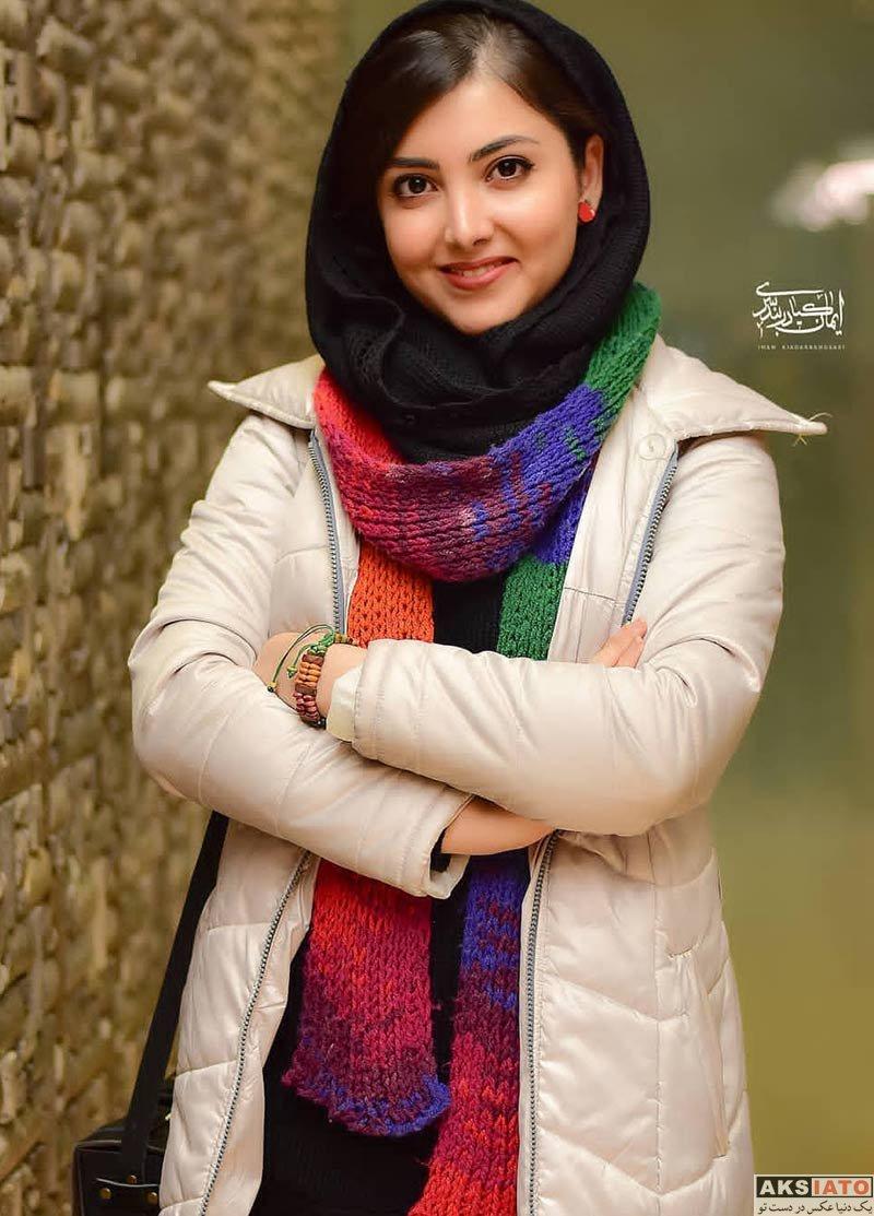 جشنواره فیلم فجر  زیبا کرمعلی در روز ششم سی و هفتمین جشنواره فیلم فجر (۴ عکس)