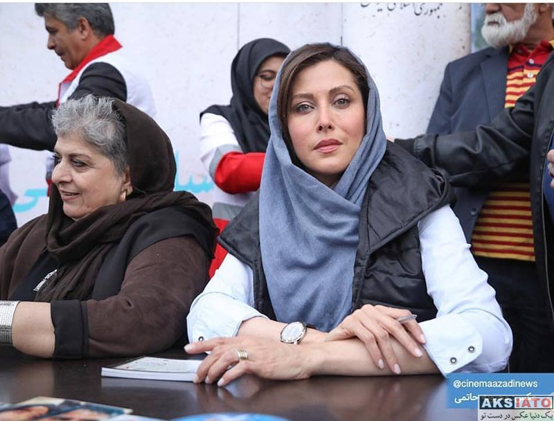 بازیگران بازیگران زن ایرانی  مهتاب کرامتی در مراسم جمع آوری کمک مالی برای سیل زدگان (۳ عکس)