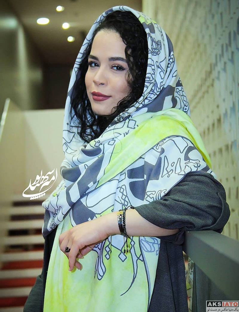 بازیگران بازیگران زن ایرانی جشنواره جهانی فیلم فجر  ملیکا شریفی نیا در سی و هفتمین جشنواره جهانی فیلم فجر (۴ عکس)