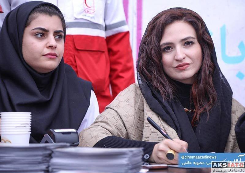 بازیگران بازیگران زن ایرانی  گلاره عباسی در مراسم جمع آوری کمک مالی برای سیل زدگان (۴ عکس)